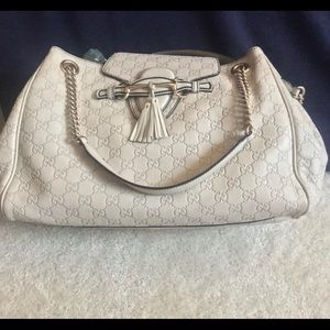c47a3ff13147 Women Gucci Emily Shoulder Bag on Poshmark